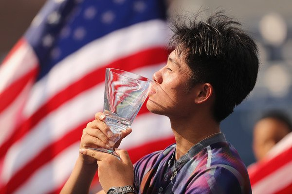 Wu Yibing tennis champion